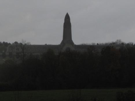 44 Ossuaire de Douaumont Tour des morts