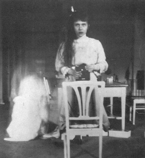 Self photographic portrait using a mirror and Kodak Brownie box camera taken by Russian Grand Duchess Anastasia Nikolaevna, October 1914. Date October 1914 Source  http://forum.alexanderpalace.org/index.php?topic=1245.15 Author Grand Duchess Anastasia Nikolaevna of Russia (Life time: 1918)